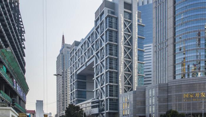 <b>上海证券大厦</b>