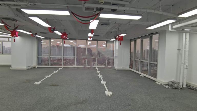 <b>东方世纪大厦300平米</b>